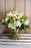 Wiosna bukiet tulipany i frezja kwiaty Zdjęcie Royalty Free