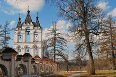 Wiosna krajobraz z dzwonkowy wierza Zdjęcia Stock