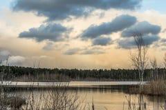 Wiosna na jeziorze Zdjęcia Royalty Free