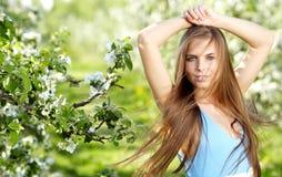 wiosna piękna kobieta Zdjęcia Royalty Free
