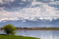 Wiosna w Rumunia Rumuńska halna sceneria, natura krajobraz w wiośnie Zdjęcia Royalty Free
