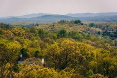 Wiosna widok Appalachian góry od przegapiającego na I-6 zdjęcia stock