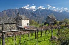wiosna wysokogórska krajobrazowa wioska Fotografia Royalty Free