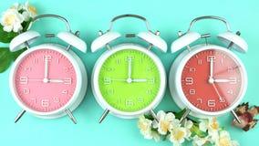 Wiosny światła dziennego oszczędzania czasu zegary zdjęcie stock