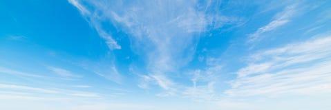 Wiosny chmury pierzastej chmury Obraz Stock