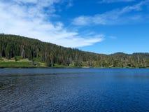 Wiosny Dolina jezioro Zdjęcia Stock