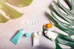 Wiosny i lata ochrona przeciw s?o?cu, sunscreen rpoducts obrazy royalty free