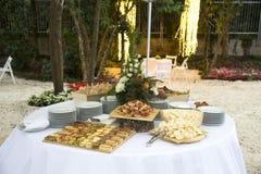 Wiosny jedzenia stół zdjęcie stock