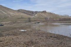 Wiosny powódź wzgórza i rzeka Obraz Stock