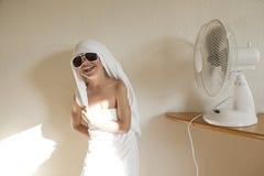 Wipes del bambino con il ventilatore fotografia stock