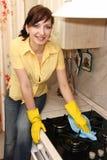 wipes för kök för spisgasflicka Arkivbild