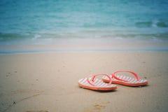 Wipschakelaars op zandig strand stock fotografie