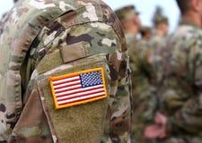 wir Dichtungs- und Fahnenillustrationsentwurf US-Soldaten bewaffnen Wir Armee US-Truppen stockfotos