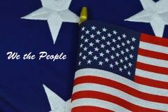 Wir die Leute mit amerikanischer Flagge Lizenzfreie Stockfotografie