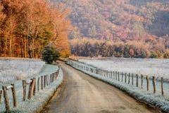 Żwir droga przez gór Fotografia Royalty Free