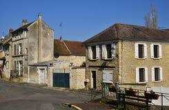 Wir, Frankreich - 14. März 2016: malerisches Dorf im Winter Lizenzfreies Stockbild