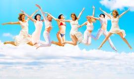 Wir springen zum Himmel Stockfotografie