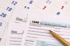 Wir 1040 Steuerformular, Kalender Lizenzfreie Stockfotos