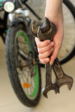Wir werden Fahrrad reparieren Lizenzfreies Stockbild