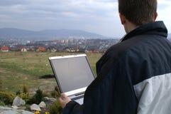 Wireles Internet über Stadt Stockbild