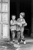 Wirkliche Leute in Vietnam, in Schwarzweiss Lizenzfreie Stockfotos