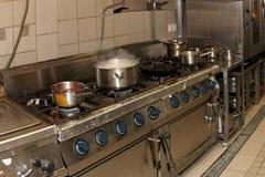 Wirkliche Restaurantküche Lizenzfreies Stockfoto