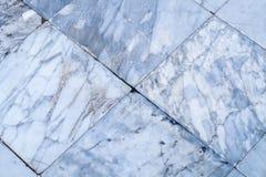 Wirklicher Marmor deckt nahtlose Bodenbeschaffenheit, weißes Steinfliese patte mit Ziegeln Lizenzfreie Stockfotografie