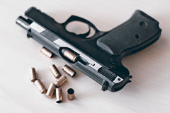 Wirkliches Faustfeuerwaffe pistole 9mm Lizenzfreies Stockbild