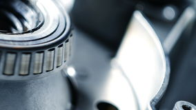 Wirować metal części w machinalnym przyrządzie Przędzalniany mechanizm samochodowy silnik zbiory wideo