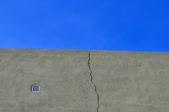Wirr, skies and wall. Wire, skies and wall in the field Royalty Free Stock Photography