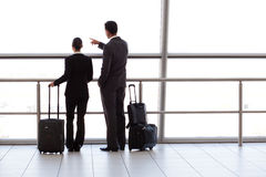 Wirtschaftler am Flughafen Stockfoto
