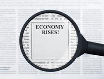 Wirtschaftsaufstiege lizenzfreies stockbild