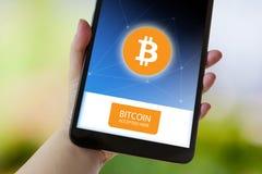 Wirtualny pieniądze Bitcoin cryptocurrency - Bitcoins akceptujący tutaj fotografia stock