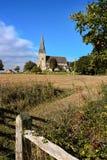 WISBOROUGH SUSSEX/UK - OKTOBER 15: Enterior sikt av St Peter a Arkivbild