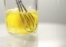 Wischen Sie und egg im Glasglas Stockfoto