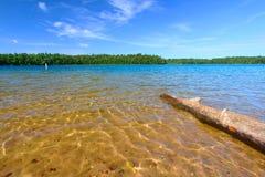 Wisconsin Northwoods simningstrand royaltyfri fotografi