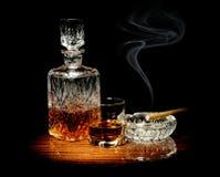 Wisky en een sigaar Royalty-vrije Stock Afbeeldingen