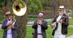 Wisley,萨里,英国- 2017年4月30日:传统的爵士乐三重奏在镶边bo 免版税库存图片