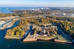 Wisloujscie堡垒和酷寒北风口岸在格但斯克,波兰 免版税库存图片