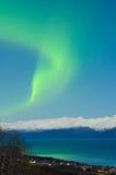 Wisp di aurora sopra la baia di Kachemak Fotografia Stock Libera da Diritti