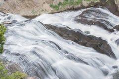 Wispy Wasserfall Lizenzfreie Stockfotos