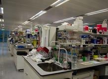 Wissenschaftliches Forschungslabor stockfotos