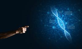 Wissenschaftsmedizin- und -technologiekonzepte als DNA-Molekül auf dunklem Hintergrund mit Verbindungslinien Stockfoto