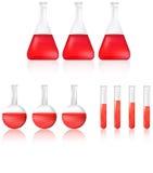 WissenschaftsReagenzglas und Becher mit rotem chemischem flüssigem Ikonensatz Stockfotos