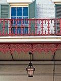 Wisząca Benzynowa lampa i Baloney w dzielnicie francuskiej zdjęcia royalty free