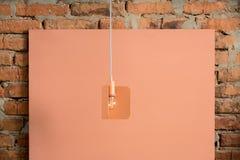 Wiszącego metalu Edison pomarańczowa lampa obraz royalty free