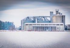 Wit beeld van industy complex, sunfloer oliefabriek stock afbeelding