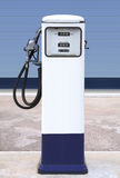 Wit benzinestation Royalty-vrije Stock Foto's