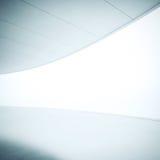 Wit binnenland met het brede lichtgevende scherm Stock Fotografie