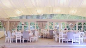 Wit binnenland van de zomerrestaurant Royalty-vrije Stock Afbeelding